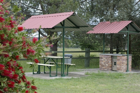 Uralla Country Road Caravan Park